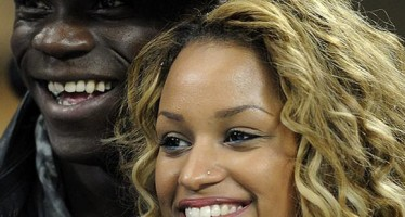 BALOTELLI PROPOSES MARRIAGE TO GIRLFRIEND WITH 100,000 POUND RING