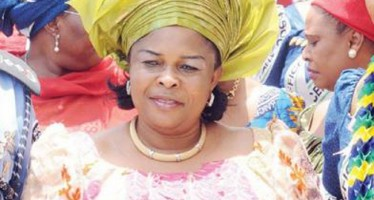 1ST LADY PATIENCE JONATHAN SPITES ROTIMI AMAECHI, ATTENDS THE GOV'S STAUNCH ENEMY'S WEDDING IN PORT HARCOURT