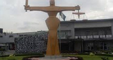 SUSPECT ESCAPES FROM IKEJA MAGISTRATE COURT, AS POLICE ARRESTS HIS LAWYER