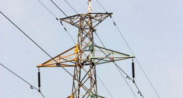 MAN,21, ATTEMPTS SUICIDE ON HIGH VOLTAGE PYLON AFTER OVERWHELMED BY PRESSURE OF DEBT