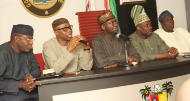 5 SOUTH WEST GOVS HOLD MEETING OVER EBOLA DISEASE, ADVISE PEOPLE TO BE WARY OF SWIMMING POOL, FOODS, FRUITS
