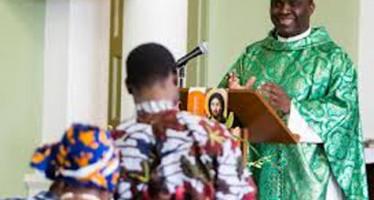CATHOLIC SUSPENDS HANDSHAKE IN CHURCH OVER EBOLA