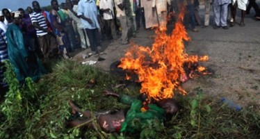 MOB BURN LECTURER TO DEATH FOR KILLING 5 PRIMARY SCHOOL PUPILS