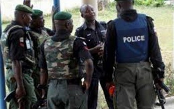FIVE POLICE OFFICERS ARRESTED FOR TAKING BRIBE