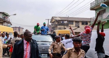 AMBODE PROMISES RESIDENTS OF AJEGUNLE INFRASTRUCTURE