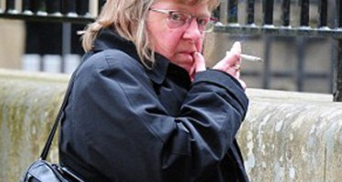 WOMAN BEATS HER HUSBAND TO DEATH DURING AN ARGUMENT OVER A PACK OF CIGARETTES