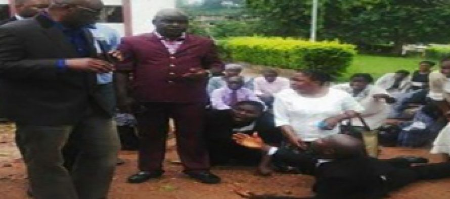 SEE PHOTOS AS FAYOSE ARRESTS CIVIL SERVANTS LATE TO WORK