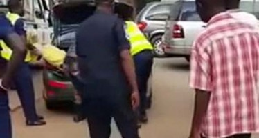 WATCH VIDEO OF TWO NIGERIANS CAUGHT WITH DEAD BODY IN THEIR CAR IN GHANA