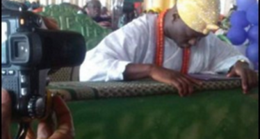 OONI RESPONDS TO CRITICISM FOR KNEELING DOWN IN CHURCH