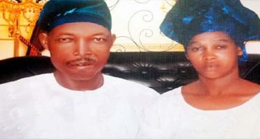 Man slits wife's throat while sleeping
