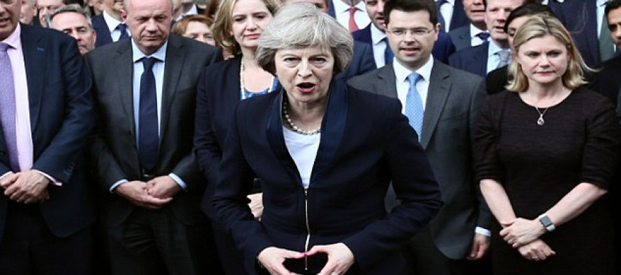 Photo suggests new British PM is a cultist
