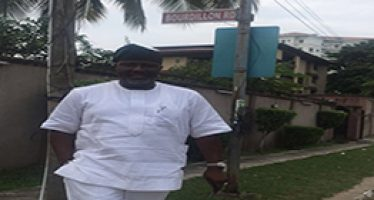 Dino Melaye visits Lagos street where Tinubus live,  Challenges critics to a fight