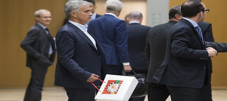 Arsene Wenger, Jose Mourinho continue their fight at Uefa conference