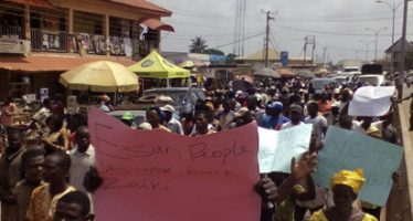 One feared dead, 19 injured in Oshiomhole, deputy's N300m houses' protest