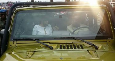 Oshiomhole drives wife to Obaseki's inauguration in Jeep Wrangler