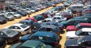 Customs to impound cars at marts, prosecute dealers