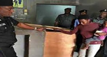 Woman detained with baby for stealing plantain