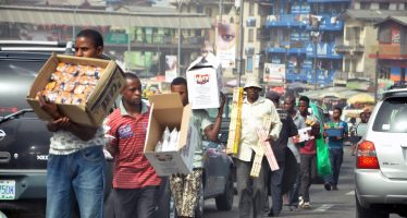 6 Motorists jailed for buying goods in Lagos traffic