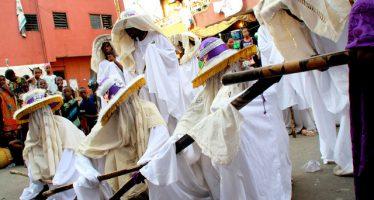 Don't wear shoes, head ties to Eyo Festival, Akiolu warns