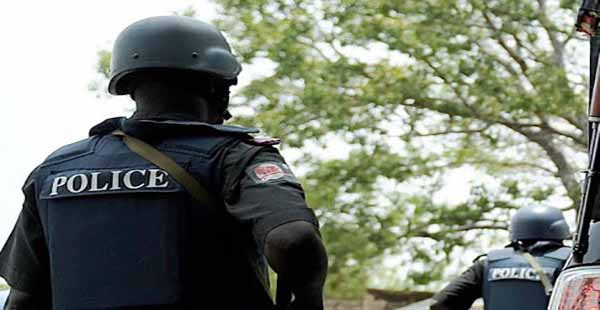 OrijoReporter.com, SARS officers rob UNILAG student of school fees