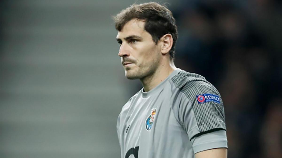 bf8ae4d4c55 Porto goalkeeper Casillas suffers heart attack